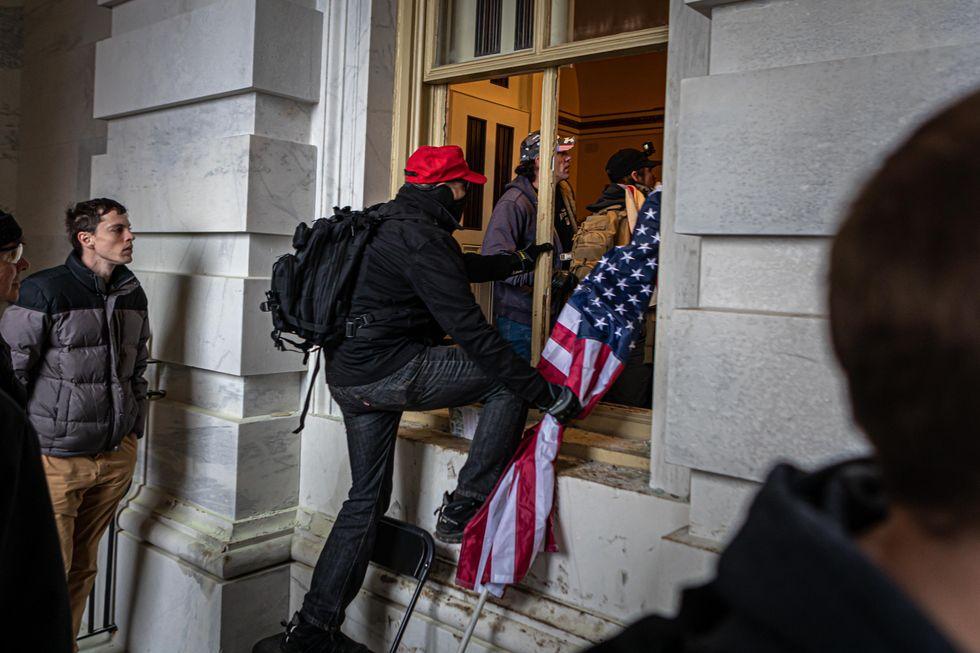 Rioters enter Capitol through broken window